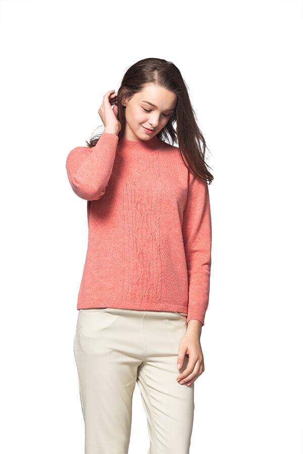 群羊毛衣的100%保暖喀什米爾高山羊絨毛衣的粉嫩橘色